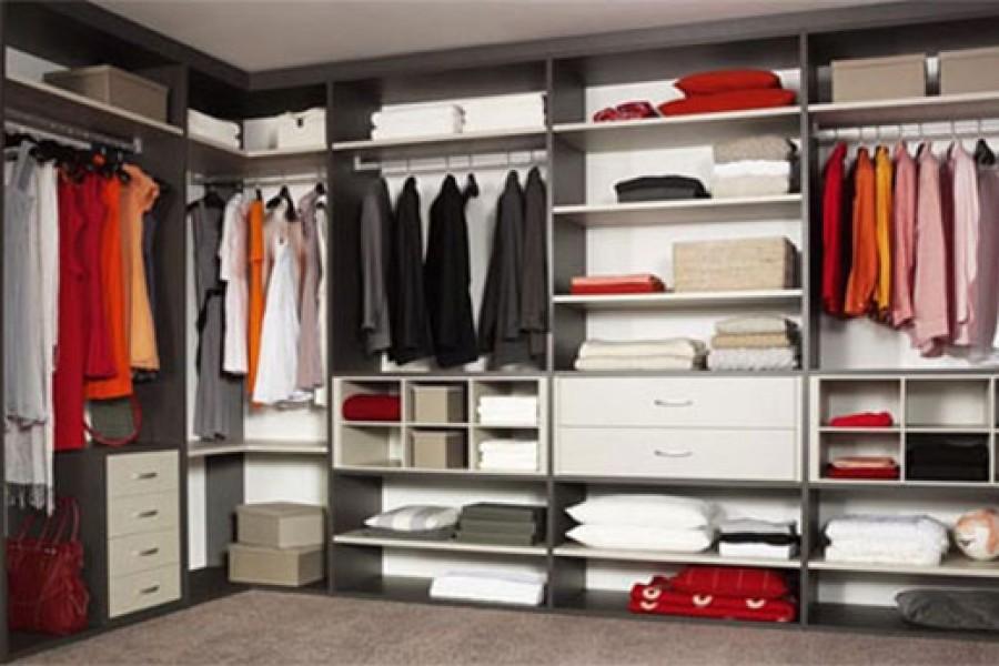 Cómo es el armario perfecto. Puertas, interiores y acabados